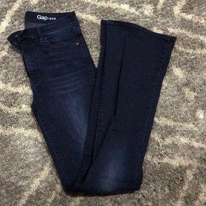 GAP- 28L bootcut Jeans dark wash